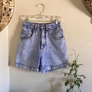 🦋VTG distressed RIO brand hi rise mom shorts